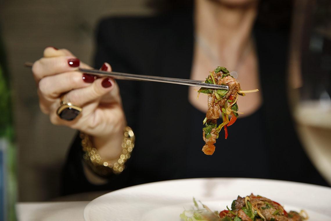 Il galateo delle bacchette cinesi: come usarle a tavola